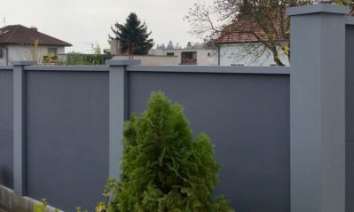 Nový betonový plot