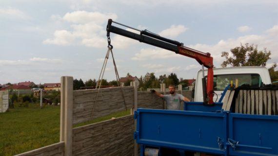 Kontejner s lehkou hydraulickou rukou