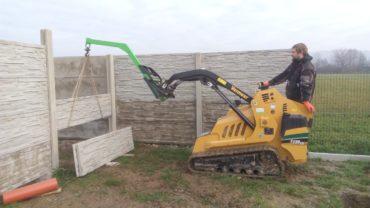 Stavba betonového plotu – příslušenství pro minibagr
