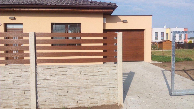 Betonový plot s plastovou výplní-03