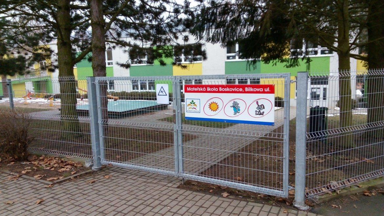 Nový plot MŠ Boskovice-05